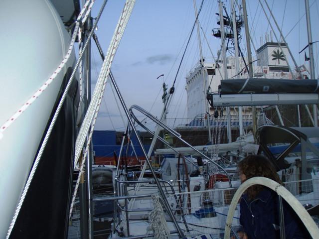 Lystbåd havnen ligger lige op af den nye slusse