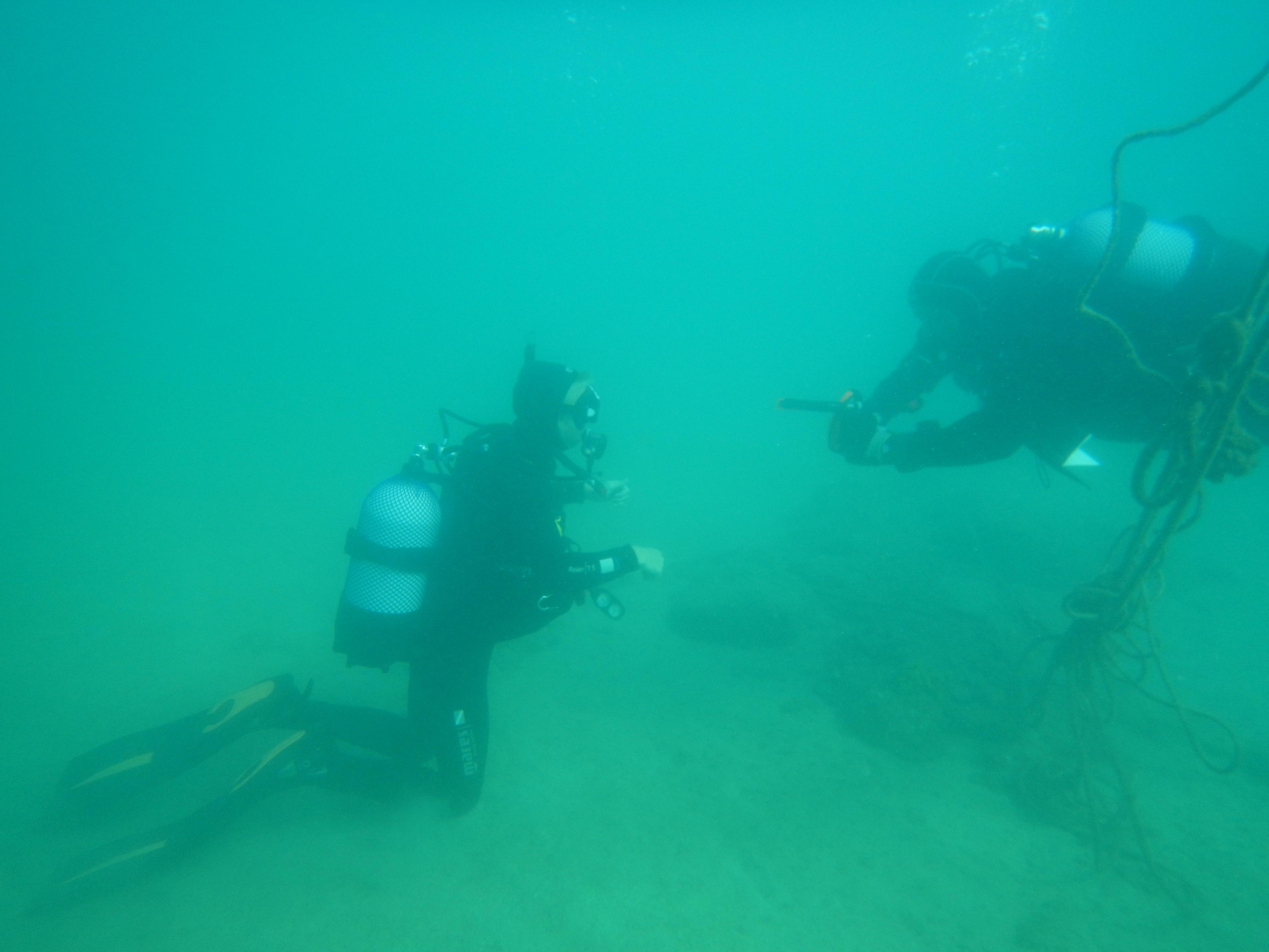 Første dyk på PADI open water kursus